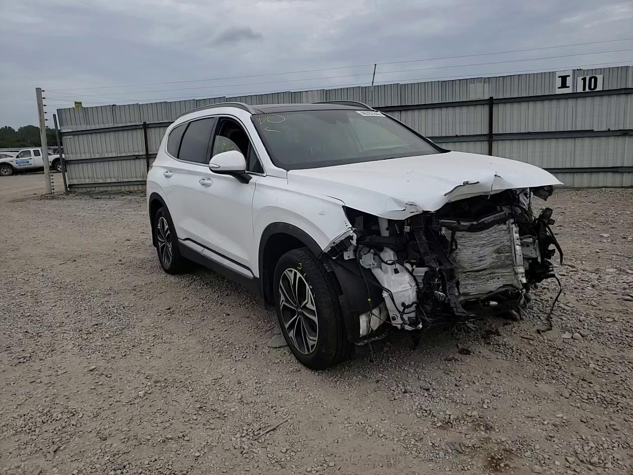Salvage cars for sale from Copart Indianapolis, IN: 2019 Hyundai Santa FE L
